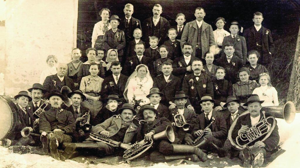 Foto der Ortsmusik Hartmannsdorf im Jahre 1916