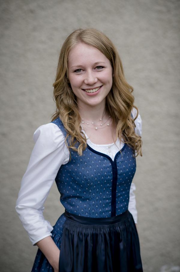 Sarah Ladenhauf : Marketenderin